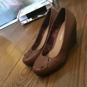 Wedge Pump by Laundry, size 7.5